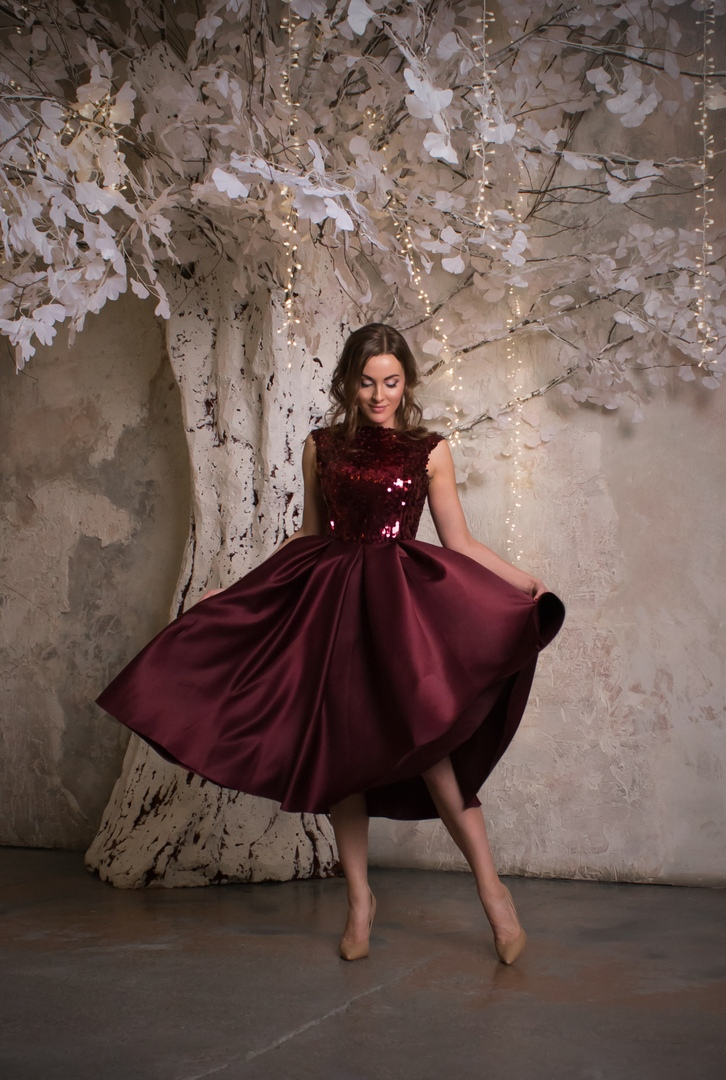 Дита Фон Тиз платье миди из плотного атласа с пайетками