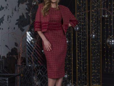Несравненная Габриэль деловой костюм в стиле Шанель.