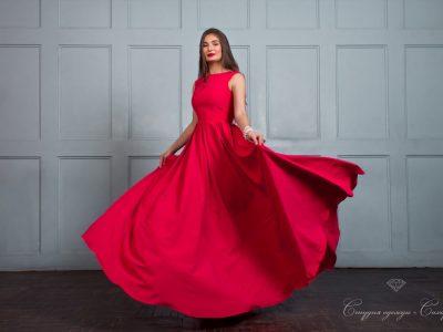 Юная Ассоль длинное платье в пол с летящей юбкой