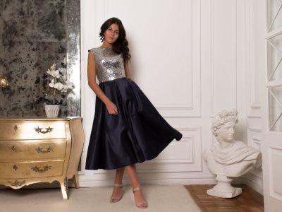 Бетти Буп, платье миди из плотного атласа с пайетками