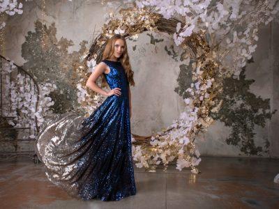 Мерида блестящее платье в пол из пайеток синий и серебряный цвета