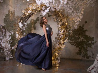 Платье Малефисента блестящее, длинное платье в пол с летящей юбкой
