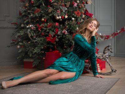 Роскошь бархата длинное платье в пол изумрудного цвета