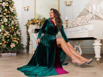 Роскошь бархата длинное платье в пол изумрудное с бордовой вставкой